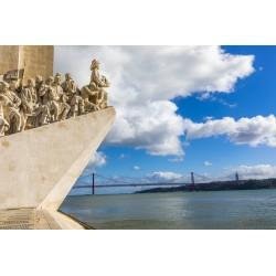 Monumento aos Descobrimentos e Ponte 25 de Abril - Lisboa